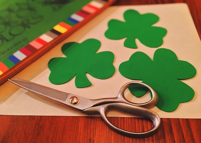 Paper Shamrocks for St Patties Day